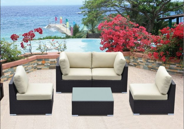 Garden sofa rattan is both luxurious and sophisticated