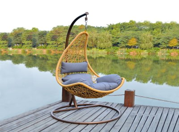 Rattan swing sofa is the latest trend